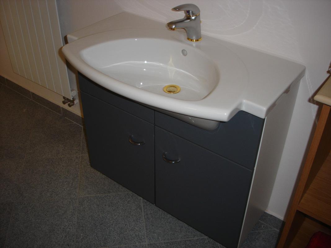 waschtisch laufen kombination. Black Bedroom Furniture Sets. Home Design Ideas